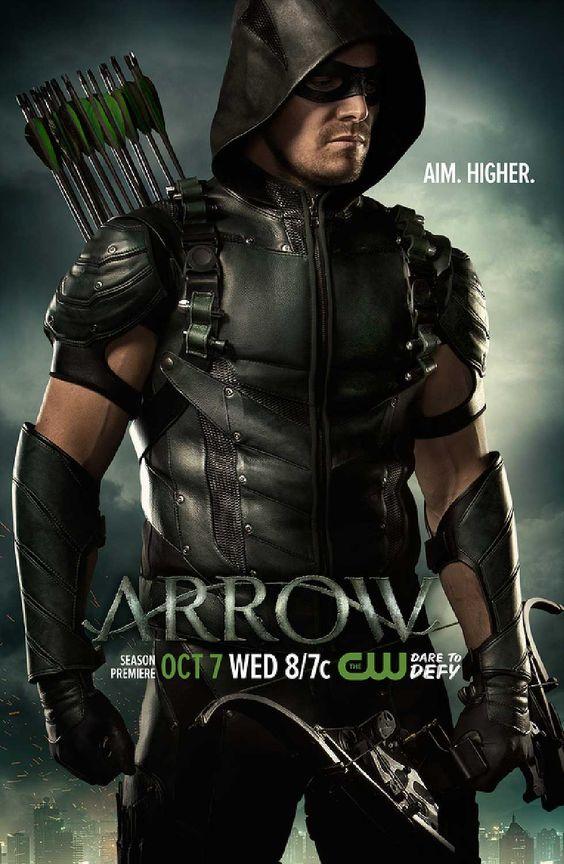 Arrow : Série avec Stephen Amell, Katie Cassidy, Brandon Routh, David Ramsey. Oliver Queen porté disparu pendant 5 ans, revient dans sa ville, plus fort,..