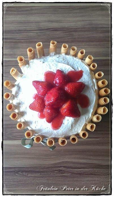 Fräulein Peter in der Küche: Weiße Schokoladen-Torte mit Erdbeeren