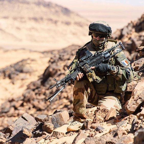 [BARKHANE] Marsouin du 2e régiment d'infanterie de Marine (2e RIMa) dans le…