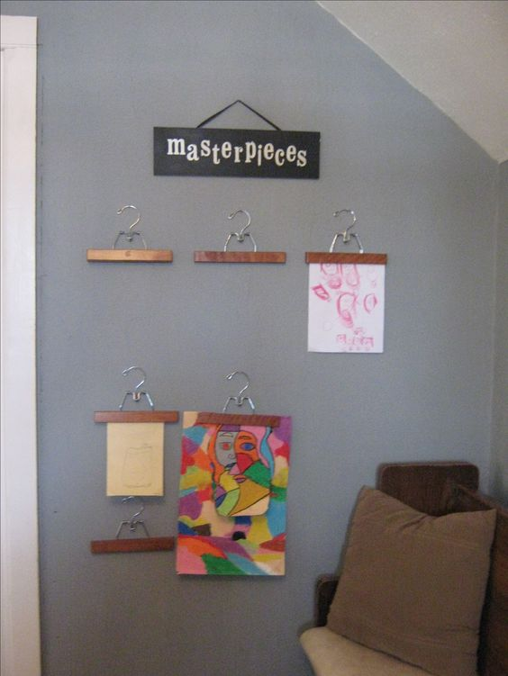 Cute idea, i love showing kids art! Fridge is covered and i dont even have kids my own yet!