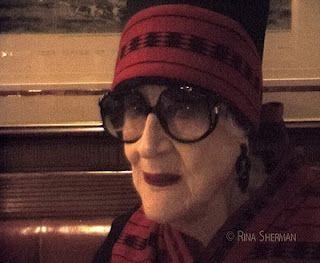 New York personality the late Zelda Kaplan talks to Rina Sherman about her Human Rights work in Africa, abuse against women and New York night life. http://www.rinasherman.com/film/VOICES/ZeldaKaplan/ZeldaKaplan.html