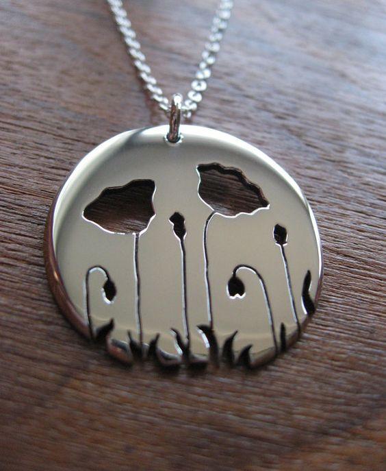 Plata collar amapola por GorjessJewellery en Etsy