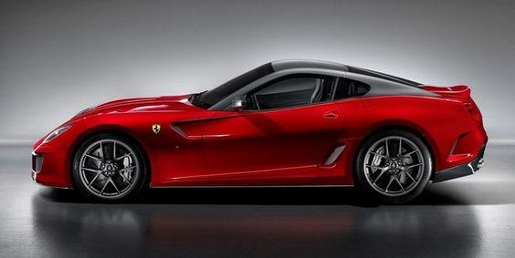 El primer ministro de Emiratos Árabes le regala al Rey de España dos Ferrari
