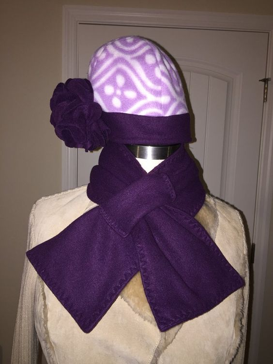 Women Purple and Lavender Fleece Hat and Scarf Set