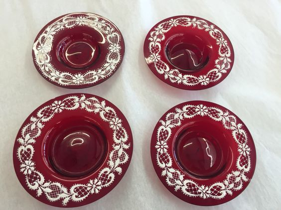 Sweet red glass dishes with white enameling....dealer 4434! #valentinesday #vintageglass