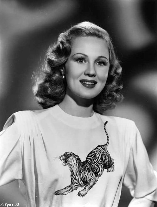Virginia Mayo.......that shirt!!!!!!