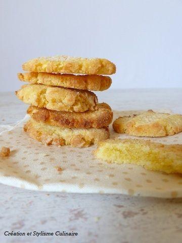 Les biscuits sans gluten, c'est toujours un petit plaisir au quotidien : au goûter, pour accompagner le café ou encore pour un petit déjeuner express.