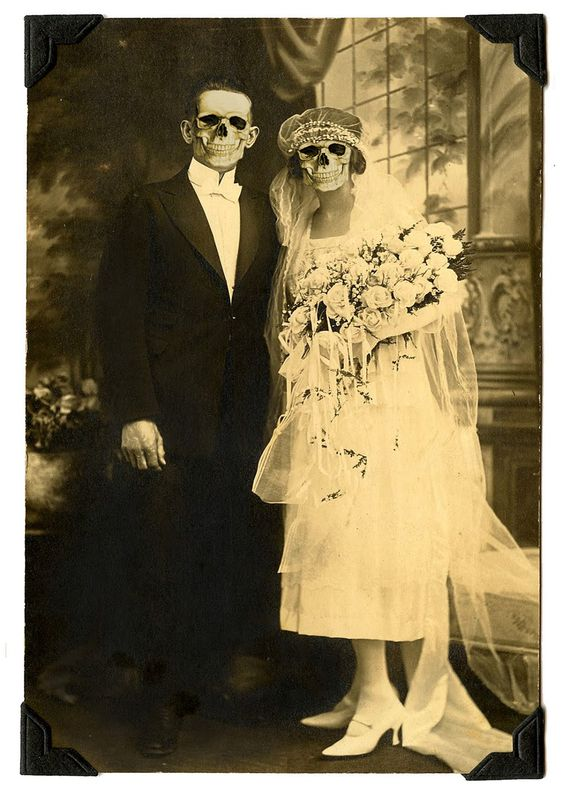 bnute productions: Free Printable Ghostly Ancestor Halloween Photos: Perfect for a Spooky Decoration
