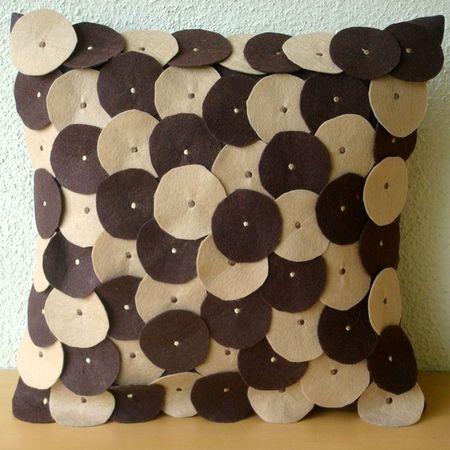 cojín / pillow