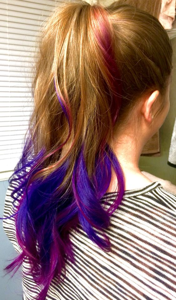 Ombre pink and purple hair  #ombre #pink #purple #rainbow #curls #longhair #ponytail #curlyponytail #coloredhair #rainbowhair # coloredtips #dipdyedhair