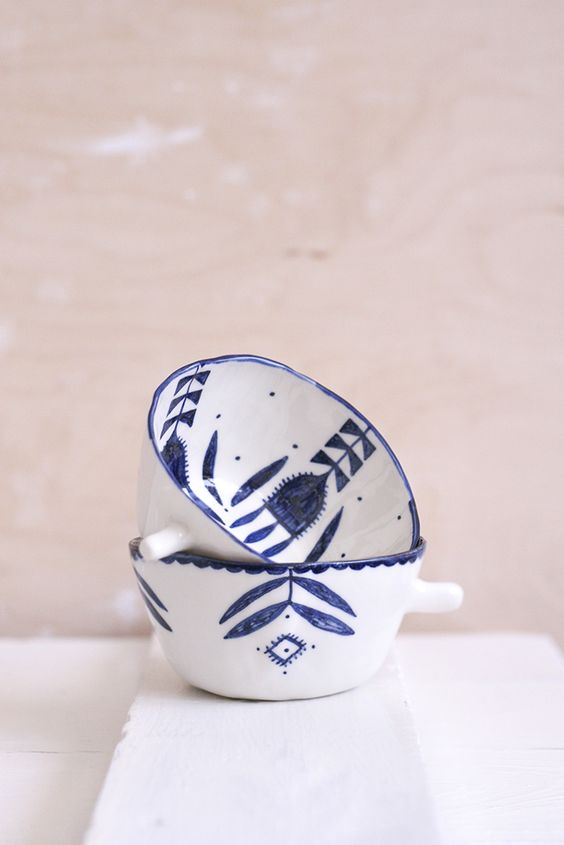 White and blue bowls with a traditional folk design~