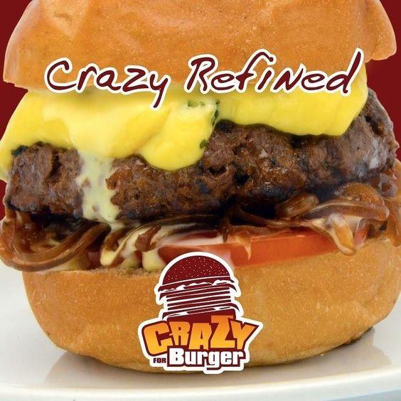 O Crazy Refined tem um sabor único! Hambúrguer de carne gorgonzola cebola grelhada molho requeijão cremoso com mel azeite e manjericão tudo num delicioso pão australiano. Acompanhe na Revista DÁvila as matérias semanais da Crazy for Burger e também de todos os outros parceiros. http://ift.tt/1UOAUiP (link na bio).