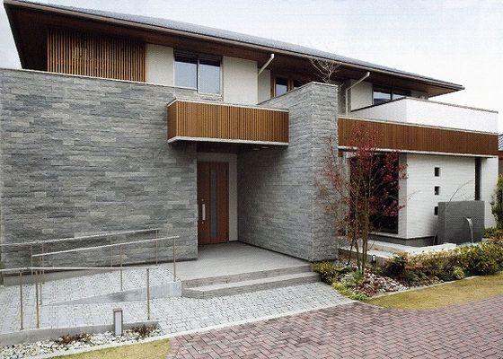 高級タイル 外壁 Google 検索 モダンな間取り ホームウェア 住宅