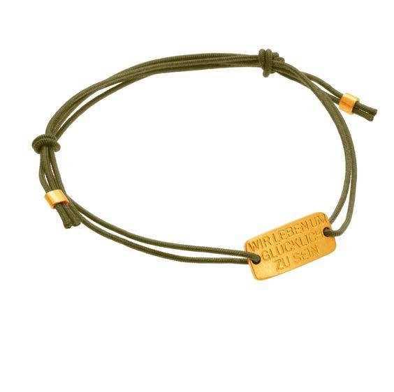 Dalai Lama: Wir leben um glücklich zu sein  Armband mit 24 Karat Gold Plakette    #Goldschmuck #engraving #gravur #personalization #initialen #jewelry #24Karat #puregold #gold #Goldsmith #Armband #Spirit #Glück #Love #Goldschmied #dalailama #olivegreen #fall
