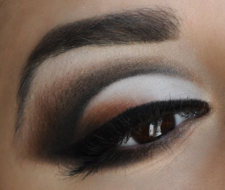 Neutral cut crease http://www.makeupbee.com/look.php?look_id=56401