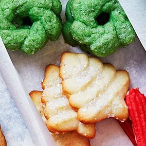 The 57 most delish christmas cookies easy christmas for Easy quick christmas baking recipes