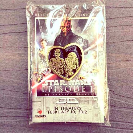Star Wars C3P0 R2D2 Heart Pin An adorable pin of everyone's favorite Star Wars robot buddies! Great as a gift! Save on shipping and enjoy a discount + goodies in every bundle! Accessories
