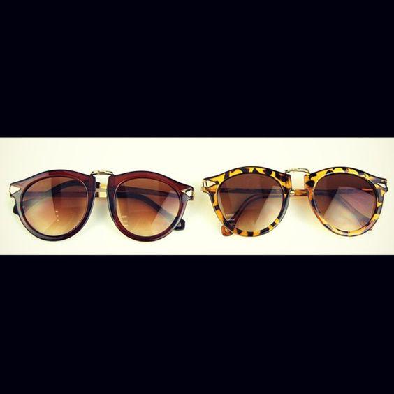 HOT BUY μόνο 9, 9 0 €  Κάνε μια βόλτα στον Ήλιο με άνεση και στυλ ;) Vintage Σκελετός Γυαλιών Ηλίου σε  Λεοπάρ ή Καφέ Χρώμα!  Αρχική Τιμή: 18,90 € * Vintage Sunglasses Leopard/ Brown Color  Price: 9,90 €  #γυαλιά #ήλιος #μόδα #γυναίκα #άντρας #στυλ #glasses #sunglasses #style #fashion #design #cheap #HOT #BUY #gift
