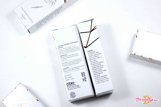 Bagian belakang dan sisi pinggir kemasan Purbasari Metallic Color Matte Lipstick