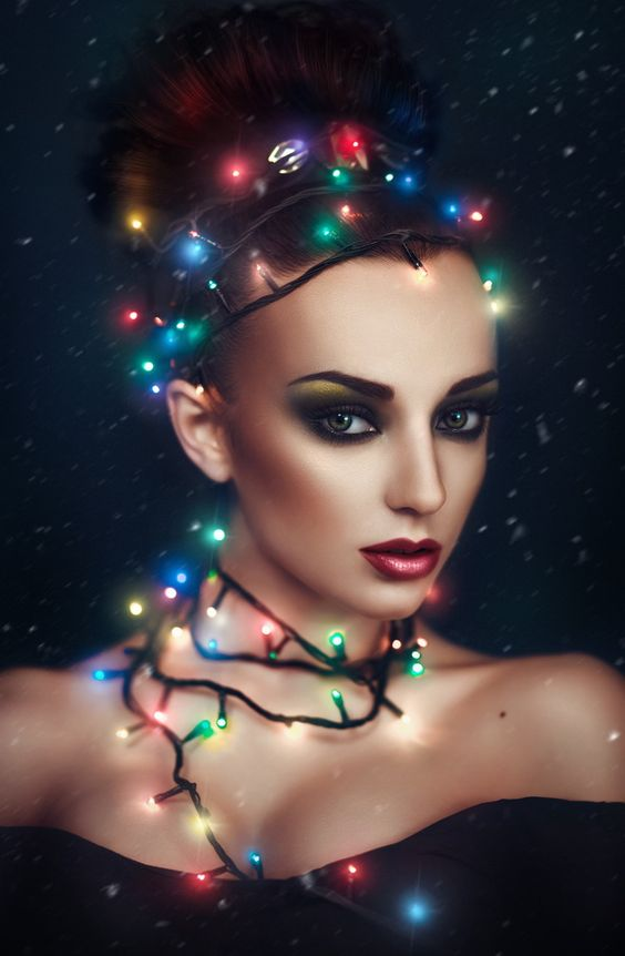 Image Editing - Crow Bloody. Christmas Lights model