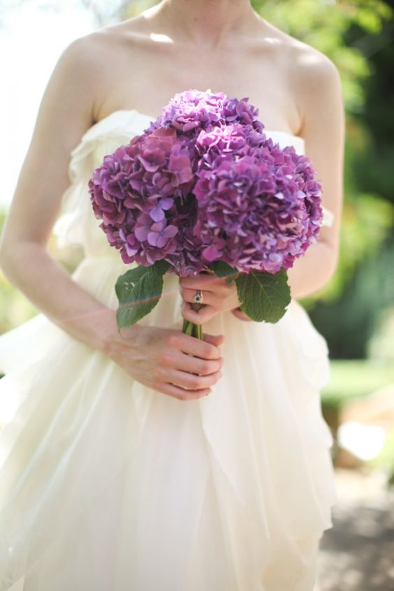 Purple-Hydrangea-Bouquet