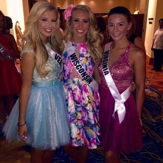 """Distance makes the heart grow fonder❤️ Missing my girls more than the world right now! #missteenusa #misswiteenusa #teen15 #powerfulflower"""