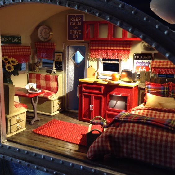 DIY Miniature Dollhouse Tiny Trailer interior