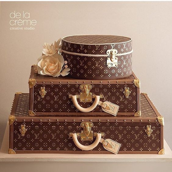 "Lynda on Instagram: ""Impressive Louis Vuitton cake design!! By @delacremestudio #cakedesign #cake #cakeart #sugarart #sugarcraft #edibleart #storybookbliss #glam #louisvuitton #luxury"""
