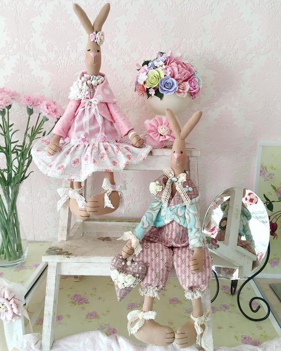 Зайчики!#зайки #зайцы #пара #кролик#bunny #ручнаяработа#куклыгромовойирины#тильда#сделаносдушой#хлопок#шеббишик#красиво#хэндмэйд#handmade#tilda#кукла#шебби#хобби#моямастерская: