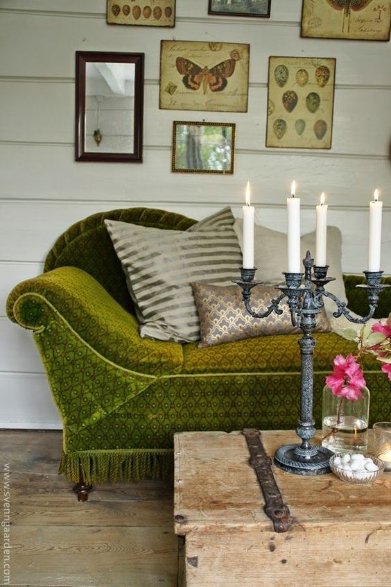 From an industrial loft to a rustic space, this collection of inspiring living room ideas will make you want to refresh your own space today. Vintage Love Flea Market Style And Antiques Pinterest Board Granny Chic Decor Green Couch Decor Couch Decor
