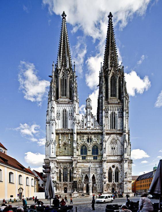 Regensburg_Dom_160910.jpg 1.146×1.500 pixels