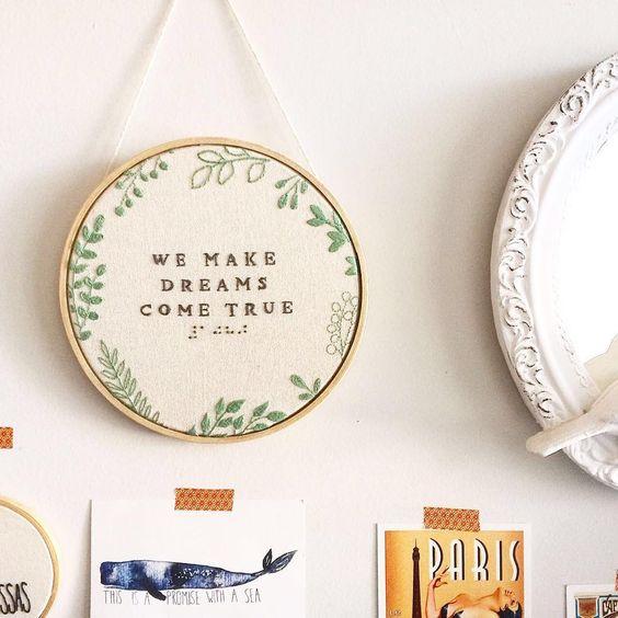 Bordados exclusivos e ilustrações próprias 💛 embroidery art collective with femininity. Contato 👉 clubedobordado@gmail.com