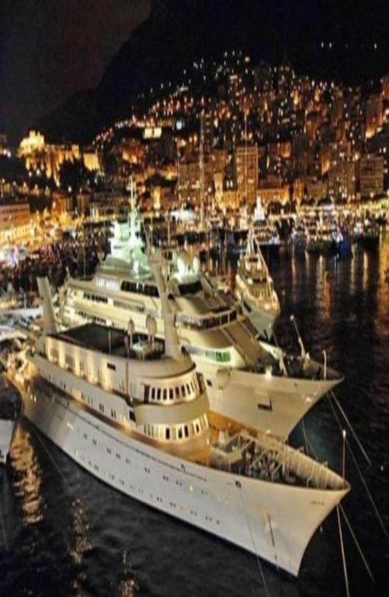 Luxury Yacht - Monaco:
