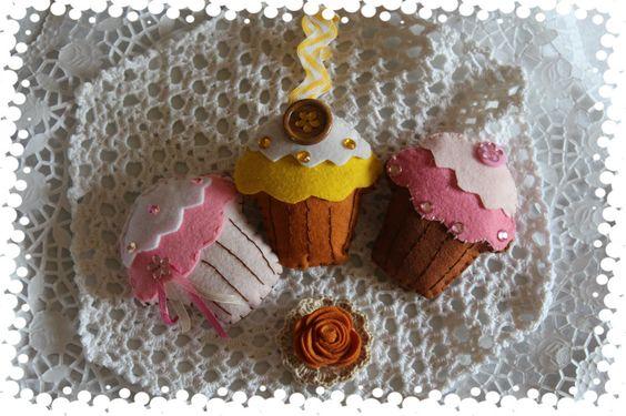 Cupcakes em feltro com aroma a alfazema