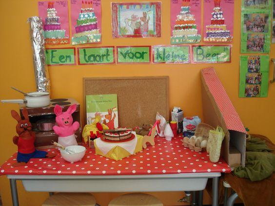 een taart voor kleine beer kleurplaat BasisOnline   Thema: Een taart voor kleine Beer! een taart voor kleine beer kleurplaat
