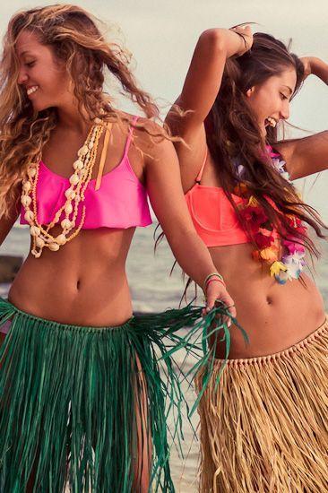 Hula hula girls