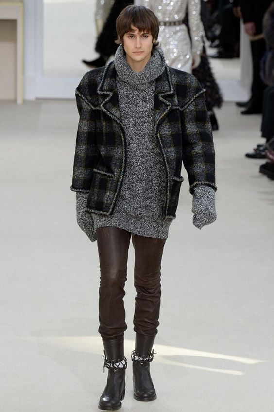 Chanel, Look #77