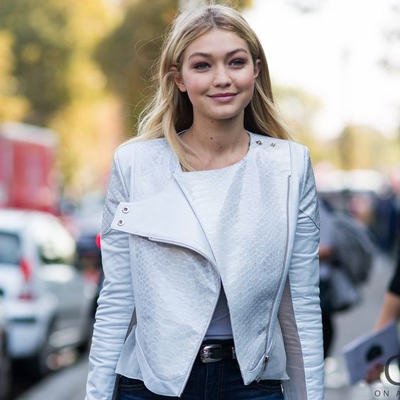 Gigi with that cute lil smile: