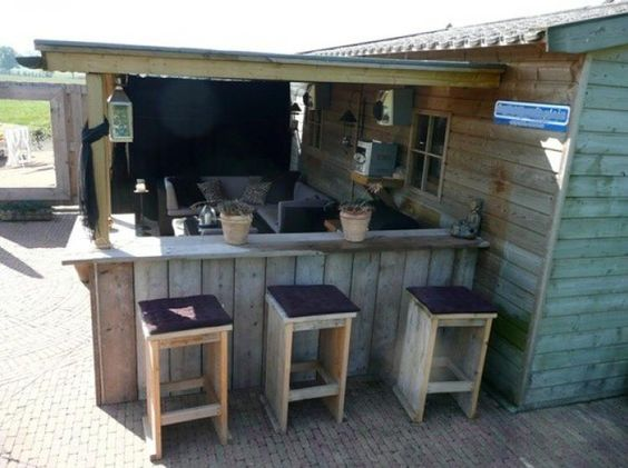 Tolle Idee Für Eine Bar/Küche Im Garten Mit Sitzecke Und Schuppen