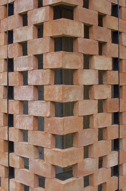 Experimental Brick Pavilion,© Agustín Ichuribehere