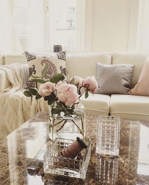 Vitt Jaguaren marmorbord. Marmor, bord, soffbord, vit, pälspläd ...