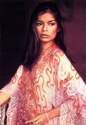 Bianca Jagger // ethnic caftan // super model // rock and roll muse // fashion icon // style idol // iconic women // 1970s // 70s