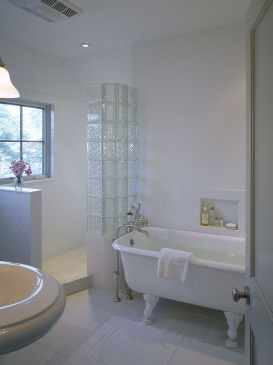 Love The Glass Bock Wall The Claw Foot Tub All White Walk In Shower F