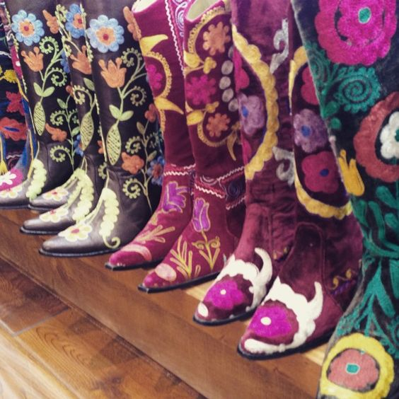 Heaven!                                                                    #magpiekelly #boots #boho #embroideredboots #hippiechic