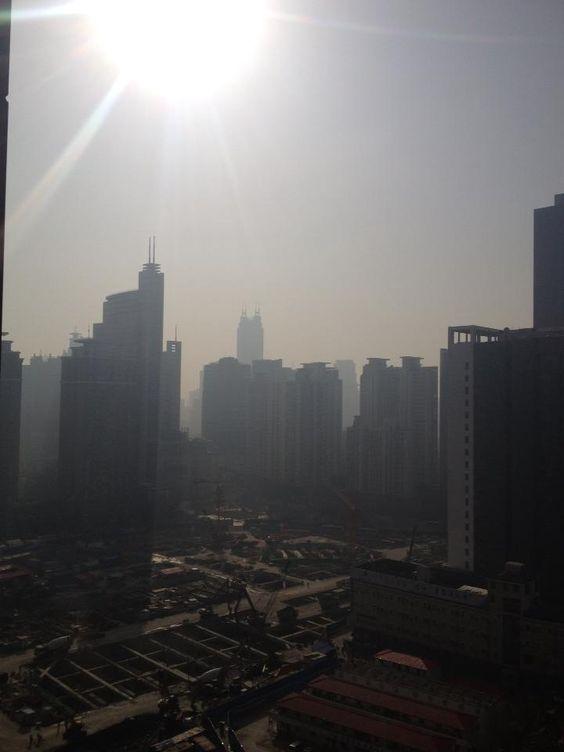 微小粒子状物質(PM2.5)が141.4の中国(上海)の空 | A!@attrip