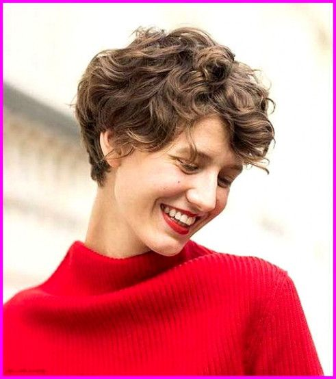 Best Short Haircuts For Curly Hair Round Face 2019 Naturallycurly Short Curly Haircuts Haircuts For Curly Hair Curly Pixie Haircuts