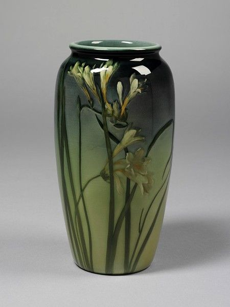 Jar | Rookwood Pottery / 1900 / V and A Museum