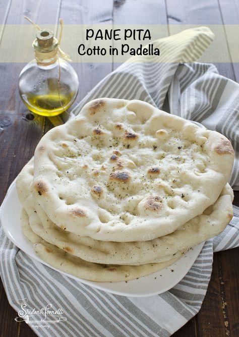 Ricetta Greca Pita.Pane Pita Greca Morbido Cotto In Padella Con Impasto Facile Ricetta Pane Pita Ricette Di Cucina Ricette