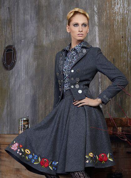 Elegant, timelessly dark grey hued trachten suit.