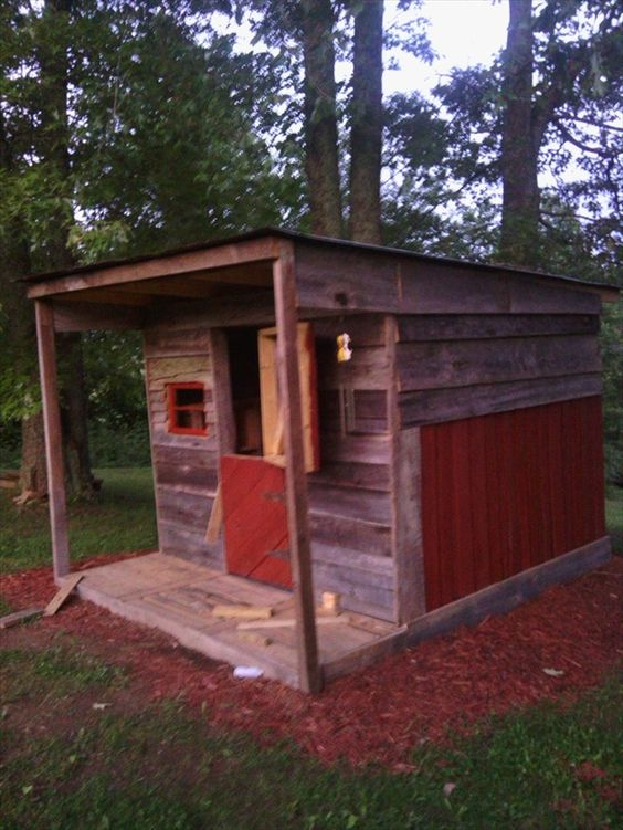 pallet playhouse for kids from reclaimed wood pallet furniture plans